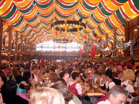 Zdj?cie: Bernd Grap; namiot na Oktoberfest