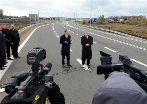 Eröffnung eines Autobahnabschnittes bei Go?dapi